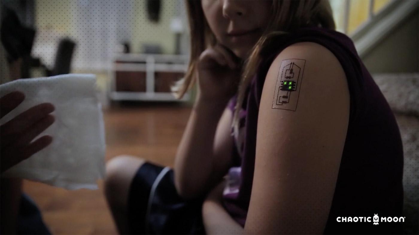 RFID-Chips, Implantate, Transhumanismus, Cyber... + Abschaffung des Bargelds Chaotic-moon-temp-tattoo