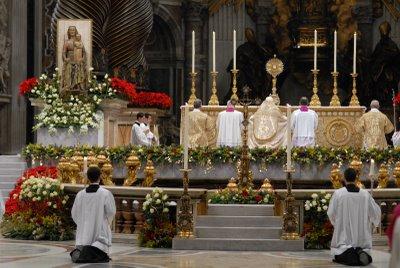 """Les """"religions"""" de Babylone la Grande. Adoration_saint_sacrement"""