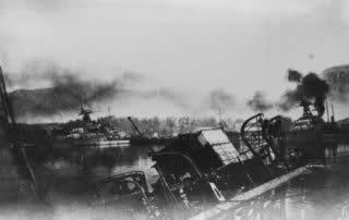 Le sabordage de la Flotte à Toulon (83) 27/11/1942 Zttemx