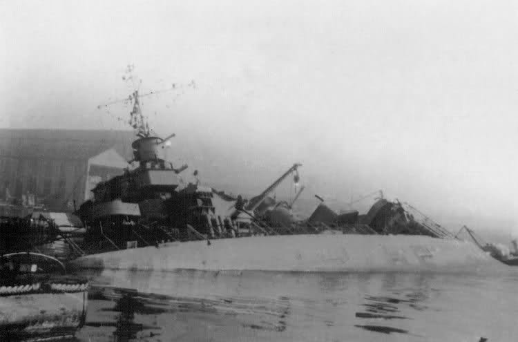 Le sabordage de la Flotte à Toulon (83) 27/11/1942 Ztu0r9