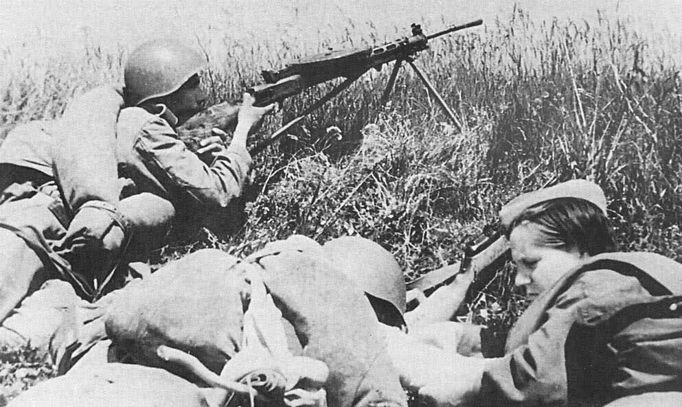 Fusil mitrailleur soviétique DP mod 1927 47b5d1l