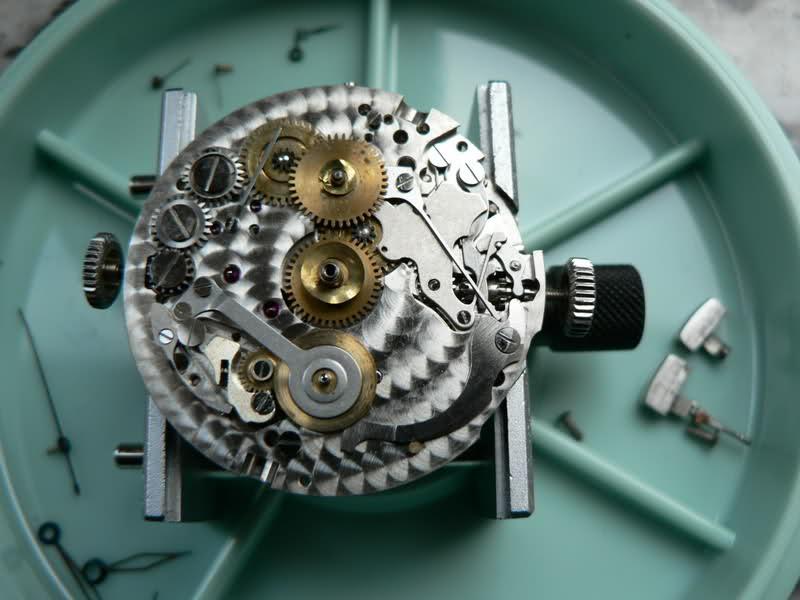 Universal Geneve Aero Compax 287, le puzzle 2cghqx1