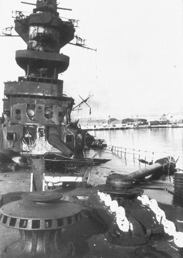 Le sabordage de la Flotte à Toulon (83) 27/11/1942 23ivtdc