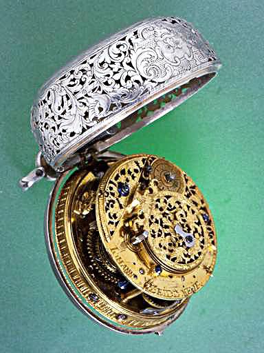 Exclusif ! L'histoire de la montre sur Forumamontres Rbfy4o