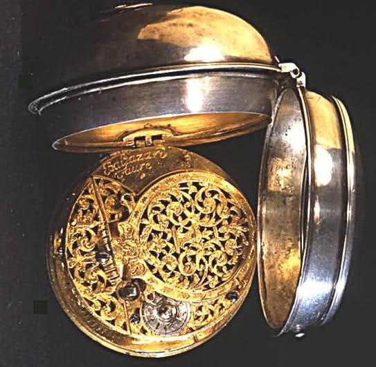 Exclusif ! L'histoire de la montre sur Forumamontres Rhnxi1