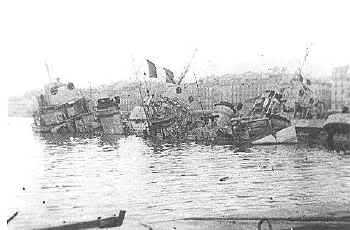 Le sabordage de la Flotte à Toulon (83) 27/11/1942 Ztu2z8
