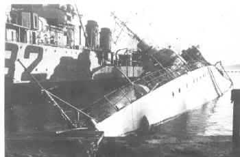Le sabordage de la Flotte à Toulon (83) 27/11/1942 Ztu39y