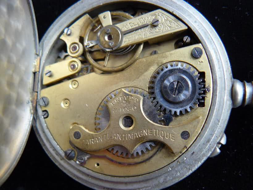 L'histoire des montres de chemins de fers - Page 2 2z659ch