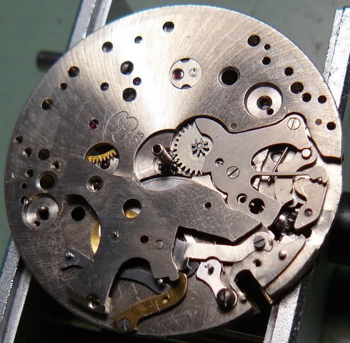 Chronographe Breitling Premier 1946 venus 175 3 compteurs Vzwsq0