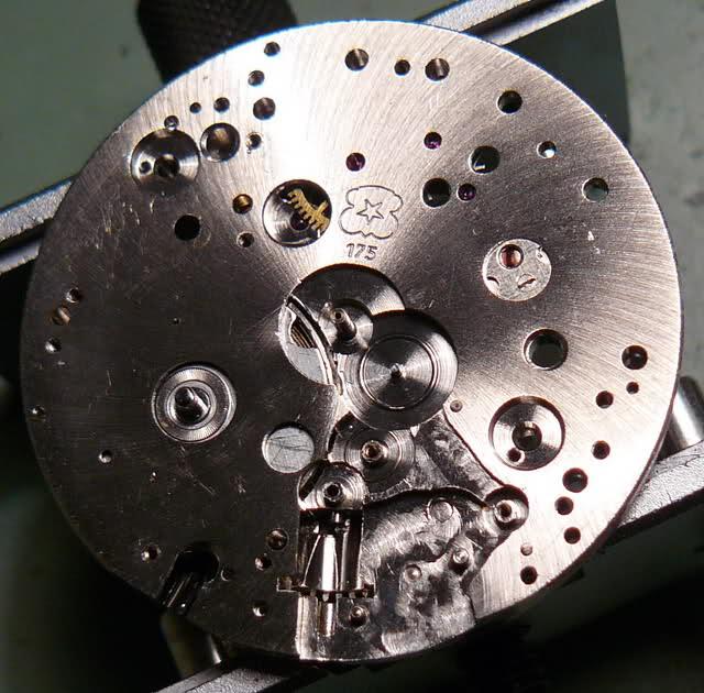 Chronographe Breitling Premier 1946 venus 175 3 compteurs 28jeit