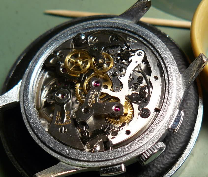 Chronographe Breitling Premier 1946 venus 175 3 compteurs 2dqvzv9