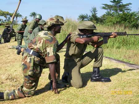 Armée Nigériane / Nigerian Armed Forces 9ptjlw