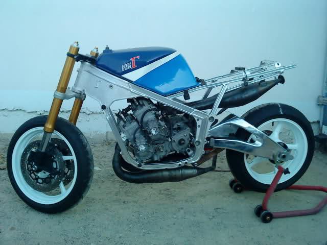 Mi Suzuki RGV 500 2efou21