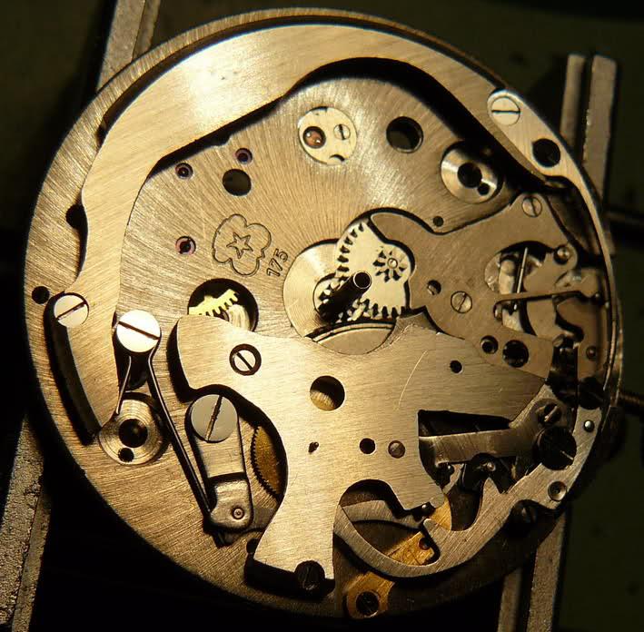 Chronographe Breitling Premier 1946 venus 175 3 compteurs 35a7ozq