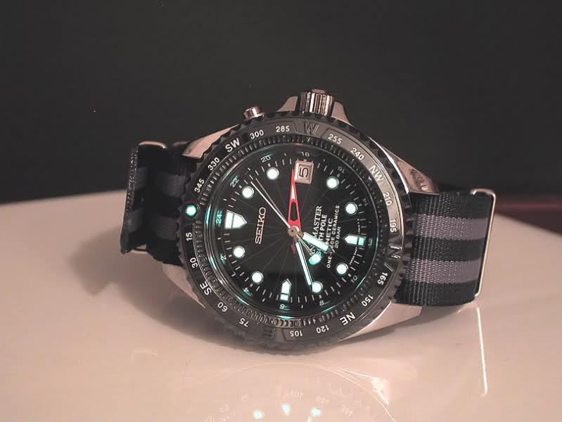 Liste des montres à lunette céramique Amclcp