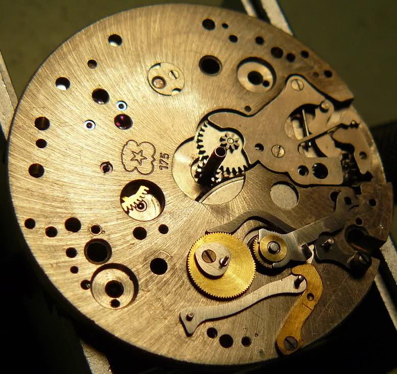 Chronographe Breitling Premier 1946 venus 175 3 compteurs 1zp421x