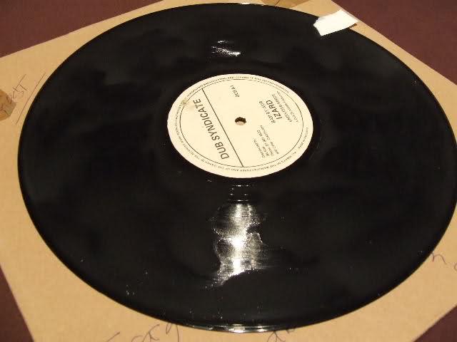 Per chi ascolta i dischi neri ... pulire il VINILE 35k4cq0
