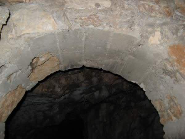 Abris caverne du Paradis (Carqueiranne, 83) K6rt3