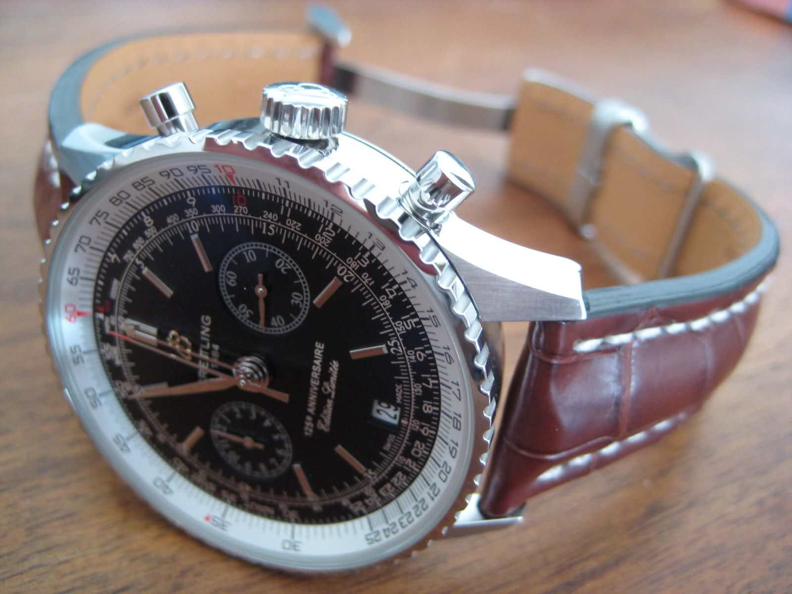 Breitling - IWC Portugaise Vs Breitling Navitimer 125 Anniversary - Page 2 2iw6bs0