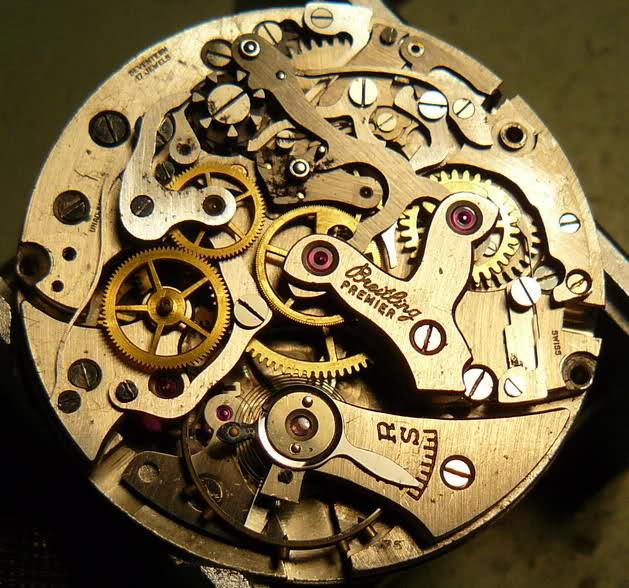 Chronographe Breitling Premier 1946 venus 175 3 compteurs 2me8zk