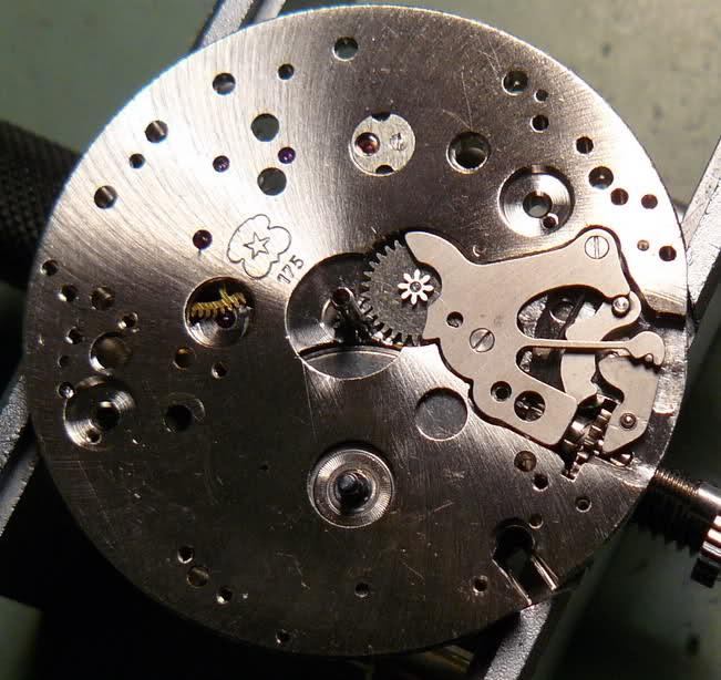 Chronographe Breitling Premier 1946 venus 175 3 compteurs 2psnek3
