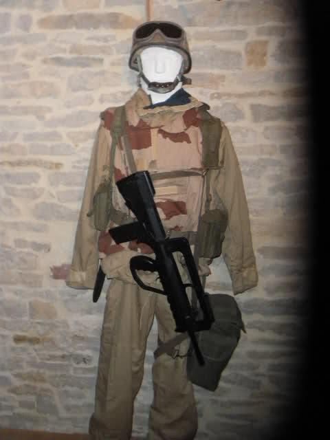 Les tenues et équipements de l'Armée Française - Page 2 2yooa5j