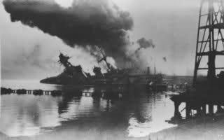 Le sabordage de la Flotte à Toulon (83) 27/11/1942 Zttz7q