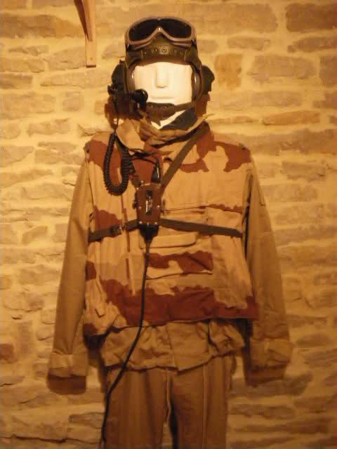 Les tenues et équipements de l'Armée Française - Page 2 24xfk83