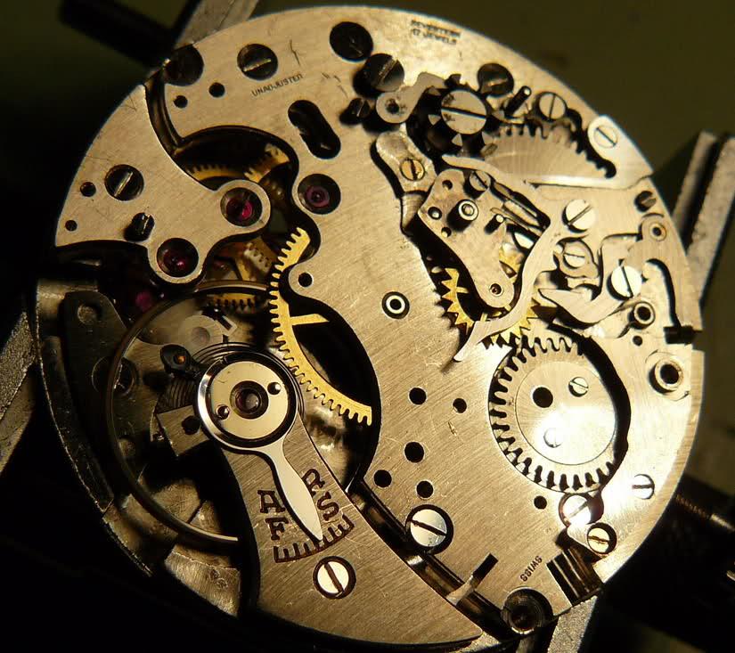 Chronographe Breitling Premier 1946 venus 175 3 compteurs 1z1btba