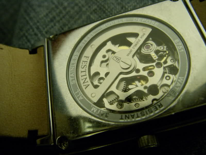 Cherche montre meca squelette ou à qwartz de bonne qualité. 21cfjo8