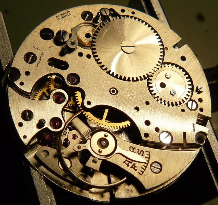 Chronographe Breitling Premier 1946 venus 175 3 compteurs 2njzksm
