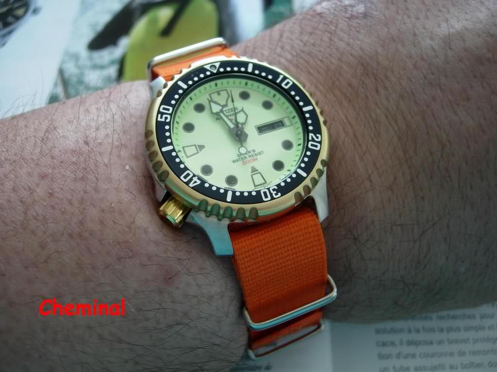Quelle montre avec cadran jaune ? 2r5gf9s