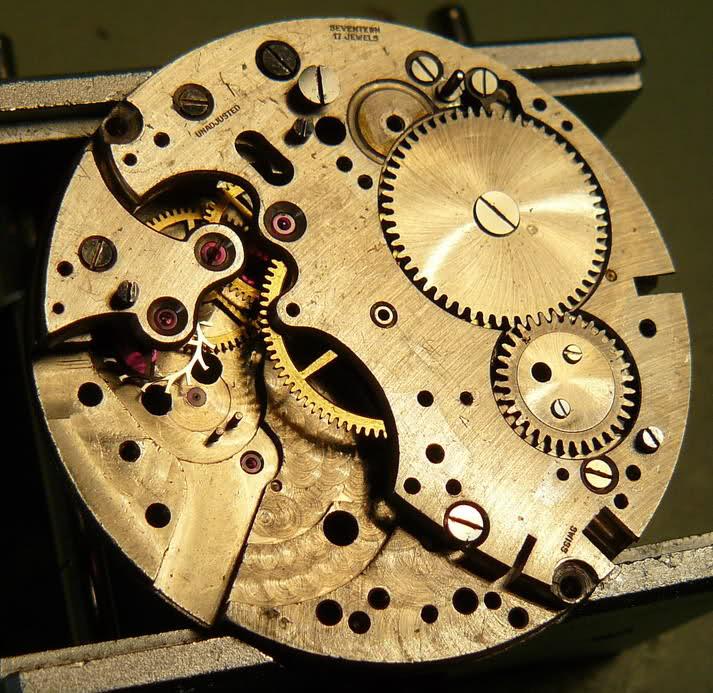 Chronographe Breitling Premier 1946 venus 175 3 compteurs 2rp8ild