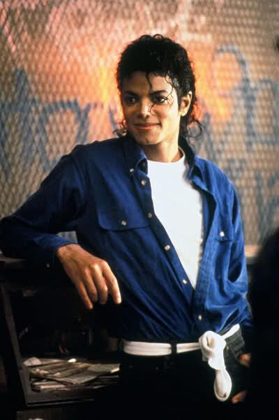 Il sorriso di Michael - Pagina 16 Etwh6u