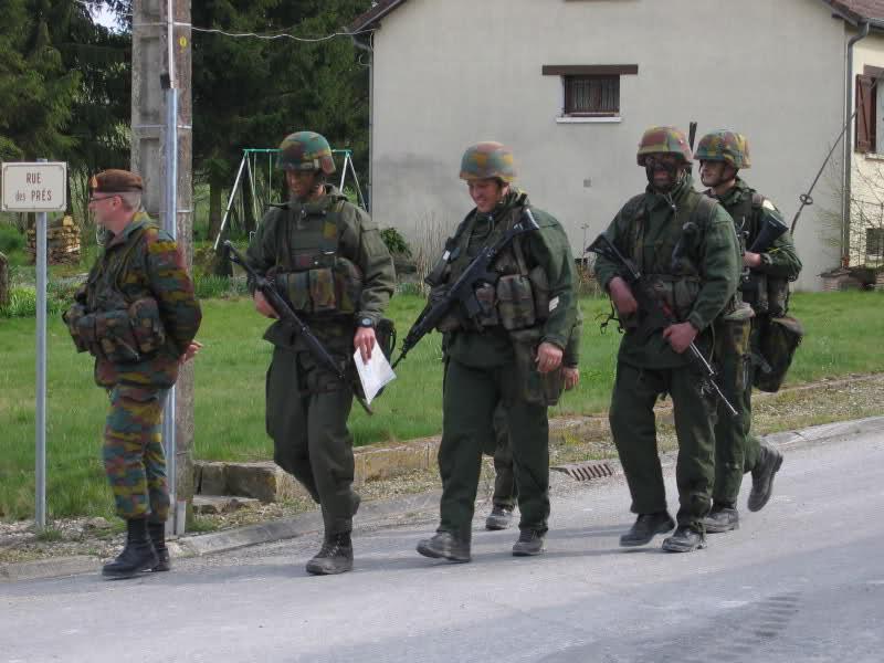 L'armée Belge en Manoeuvres F9lbbl