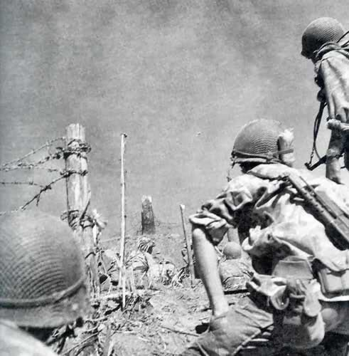 Equipements US sur soldats français durant le conflit. 2yzki91