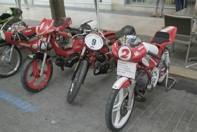 Exhibición de motos clásicas de competición en Beniopa (Valencia) Dxil43