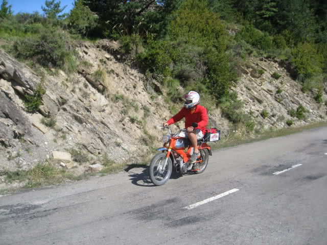 Transpirenaica en Mobylette 2010 total 1123km  - Página 3 Mtxiz8