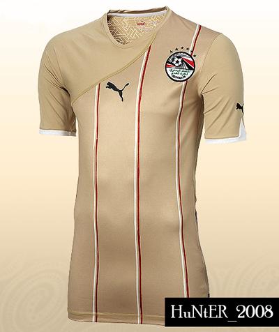 تي شيرت المنتخب الوطنى المصرى موسم 2010-2011 Rwkuo8