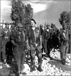 Equipements US sur soldats français durant le conflit. 15cnj9l