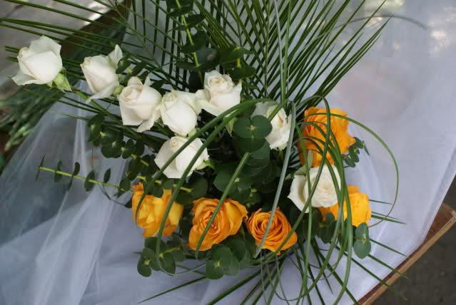 Aranjamente florale - Pagina 3 2w4afpv