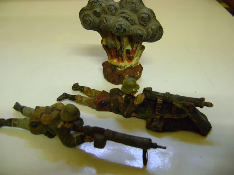 Les figurines anciennes, leurs accessoires et leurs décors. 34sjpfm