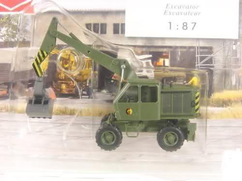 Modelle von Fahrzeugen der ehemaligen NVa 3585gy0
