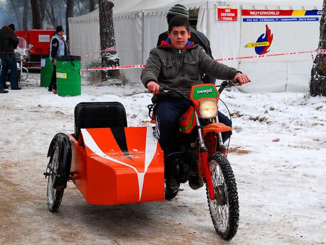 ¿Ciclomotores con sidecar? Wjc21d