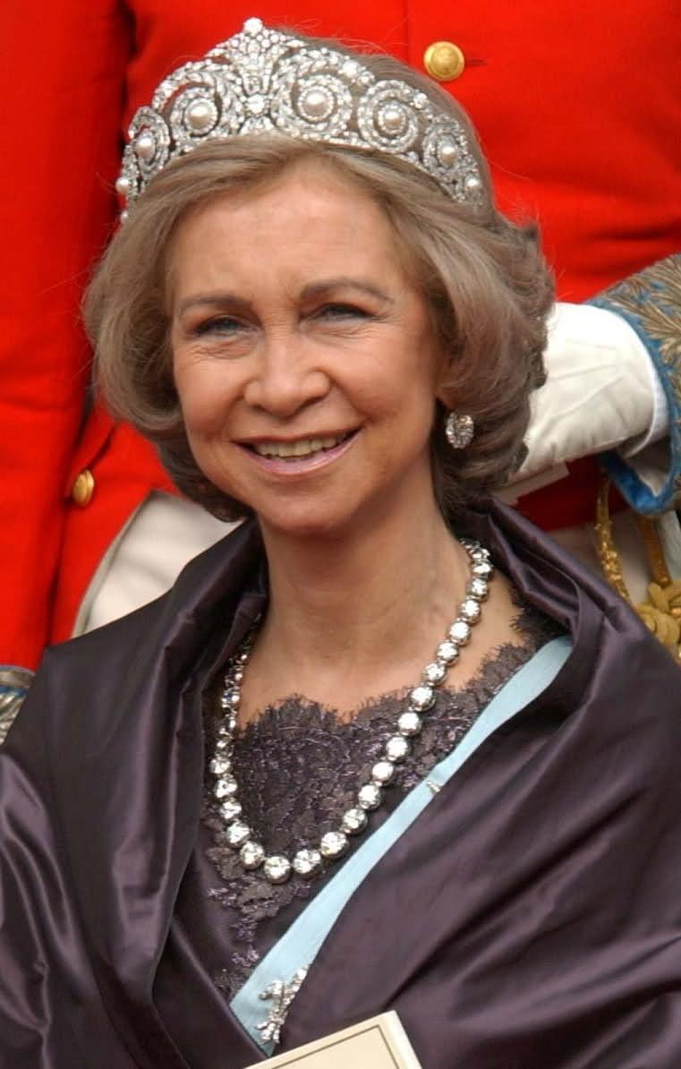 Joyas de la familia real Española 4qfv9k