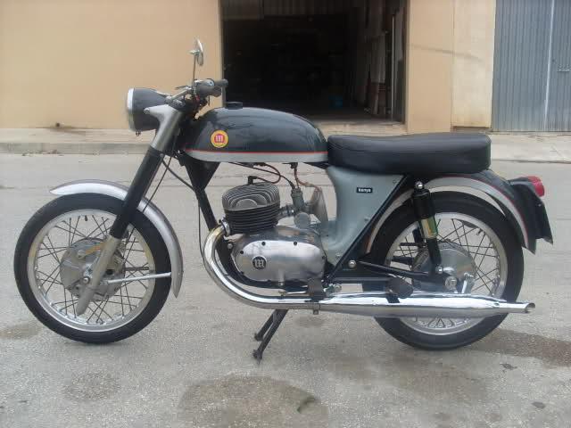 Las motos del amigo Serrano Debcbn