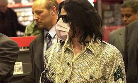 Foto di Michael Jackson con la mascherina - Pagina 2 2qd3fgl