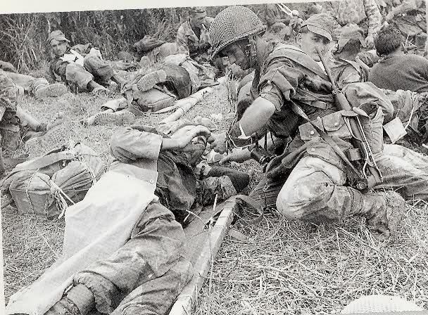 Equipements US sur soldats français durant le conflit. 307yalk