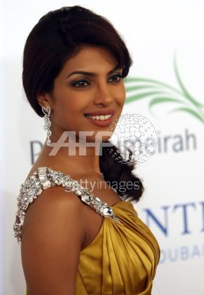 Chopra - Priyanka Chopra (MISS WORLD 2000) Ej7vqs