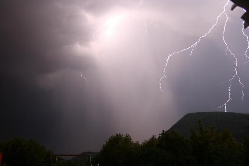 Suivi des orages en France saison 2010 - Page 2 24d4p08